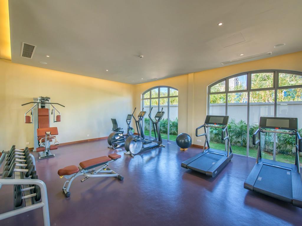 phòng tập gym flc