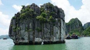 Tour Hà Nội Hạ Long Sapa 4 ngày 3 đêm - Hòn Lư Hương Vịnh Hạ Long