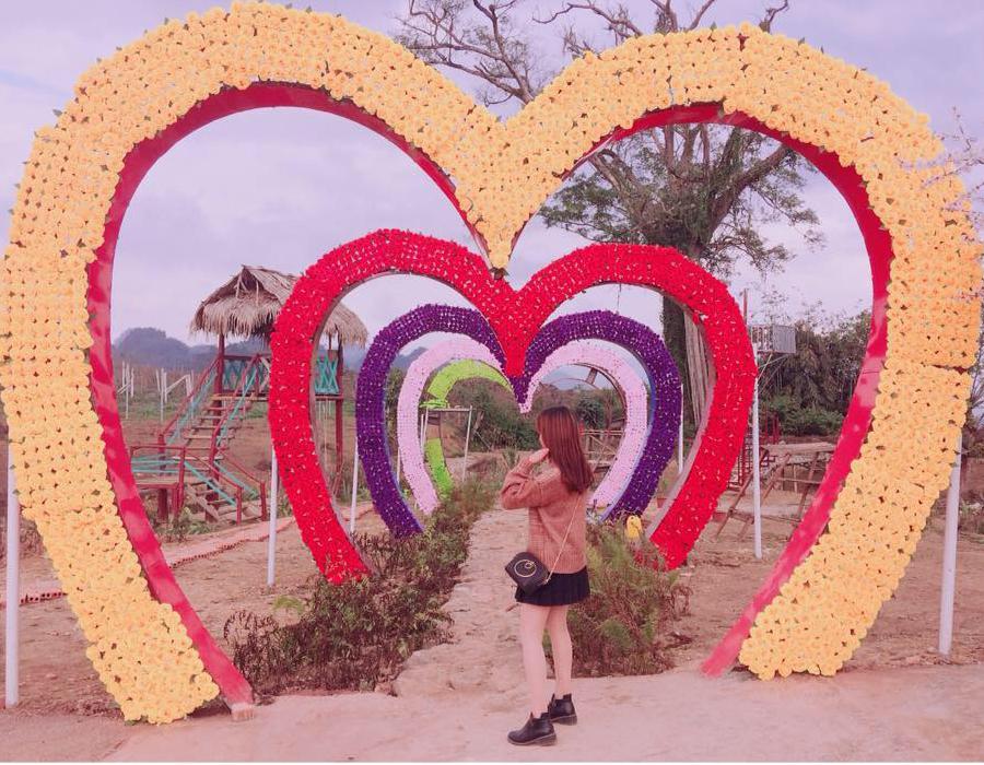 đường trái tim trên đồi mộng mơ