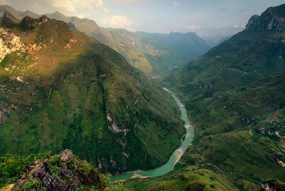 Dòng Sông Nho Quế Từ Đèo Mã Pì Lèng