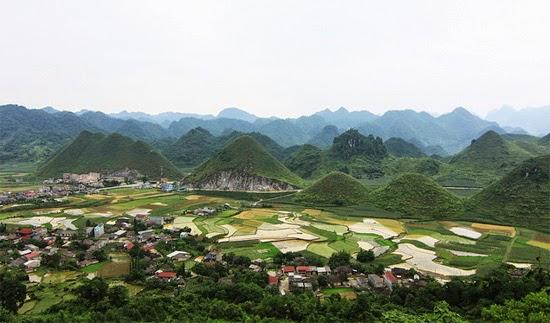 một góc nhìn núi Đôi Quản Bạ