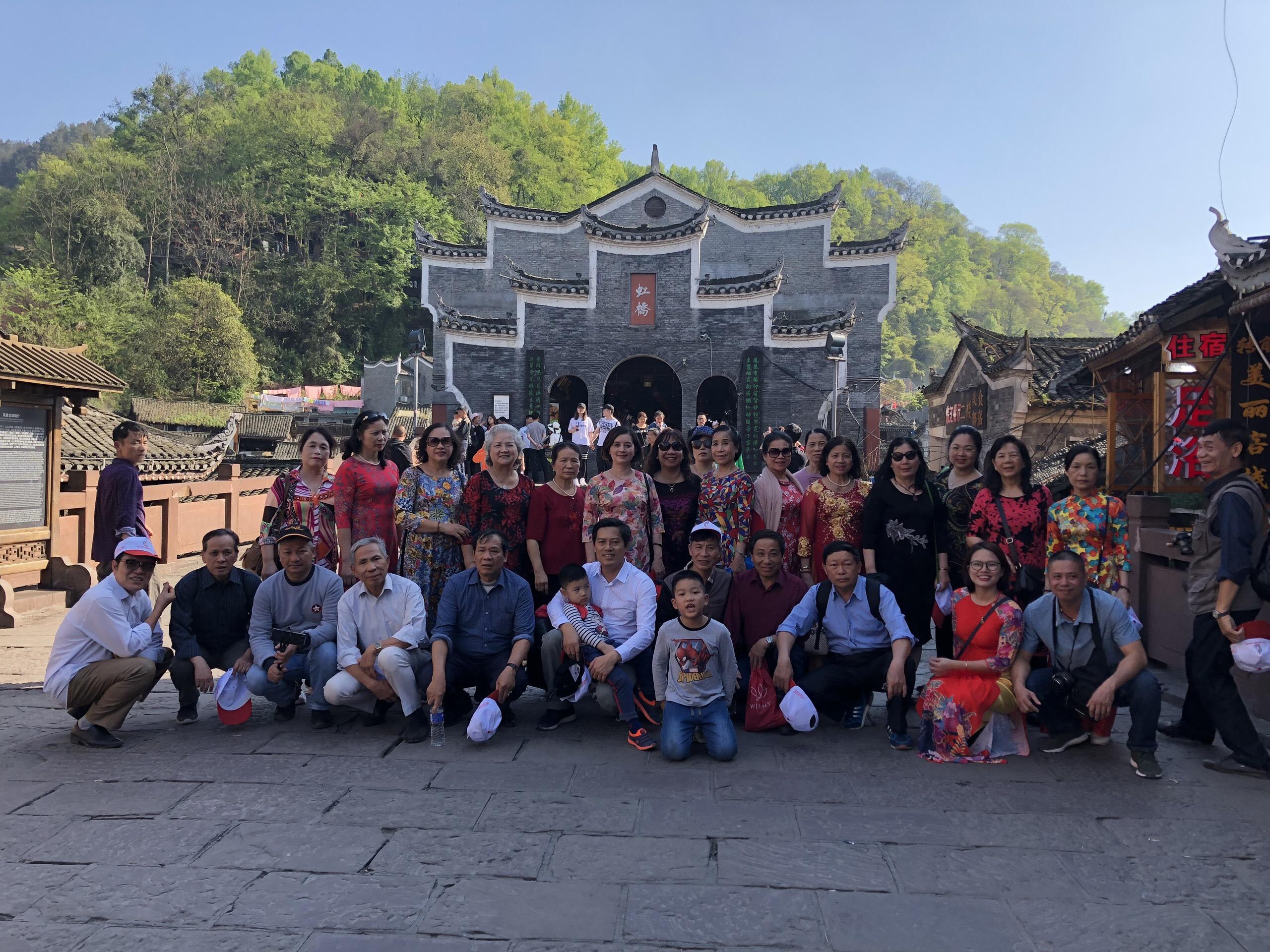 Đoàn du lịch Trương Gia Gioi