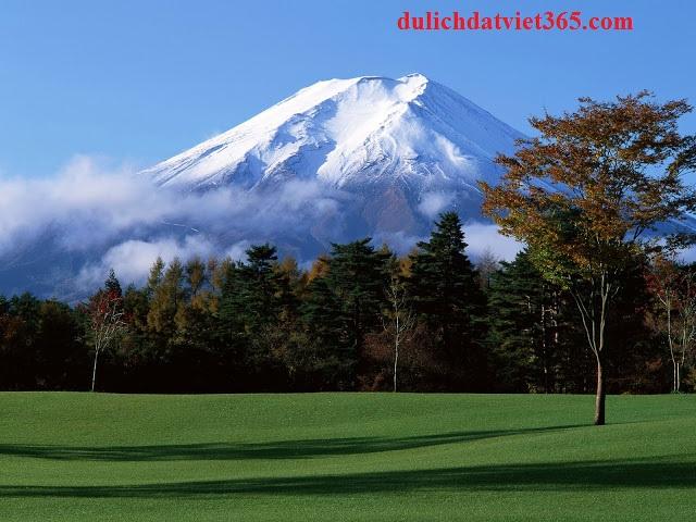 Tuyết trắng trên núi Phú sĩ