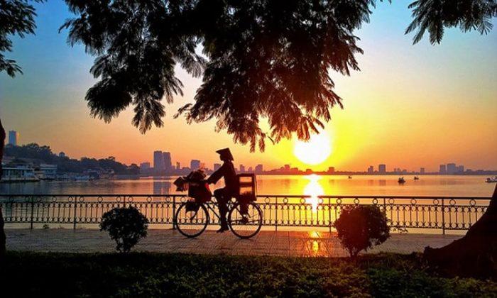 Bình Minh Trên Hồ Tây Hà Nội