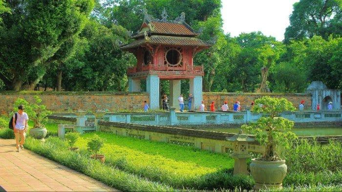 Văn Miếu Quốc Tử Giam - địa Điếm du lịch Quanh Hà Nội
