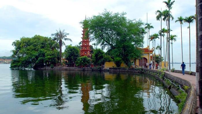 Chùa Trấn Quốc - Một địa điểm tuyệt vời du lịch Quanh Hà Nội