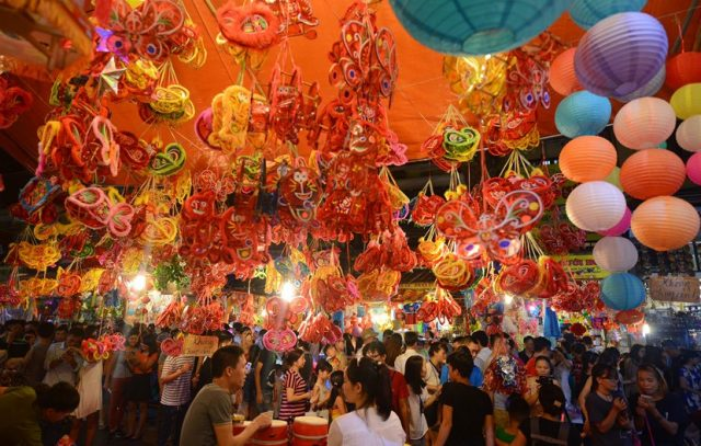 Phố Đi Bộ Hà Nội - Một địa điểm du lịch Quanh Hà Nội