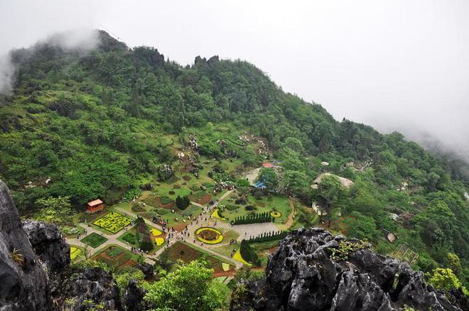 Du Lịch sapa từ Đà Nẵng - Núi Hàm Rồng