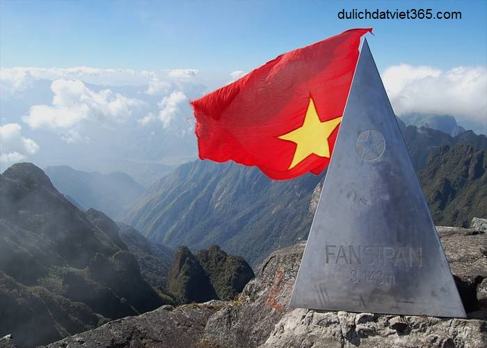 Tour du lịch Sài Gòn- Hà Nội - Sapa 5 ngày 4 đêm- Quý khách chinh phục đỉnh Fansipan cao 3.143m