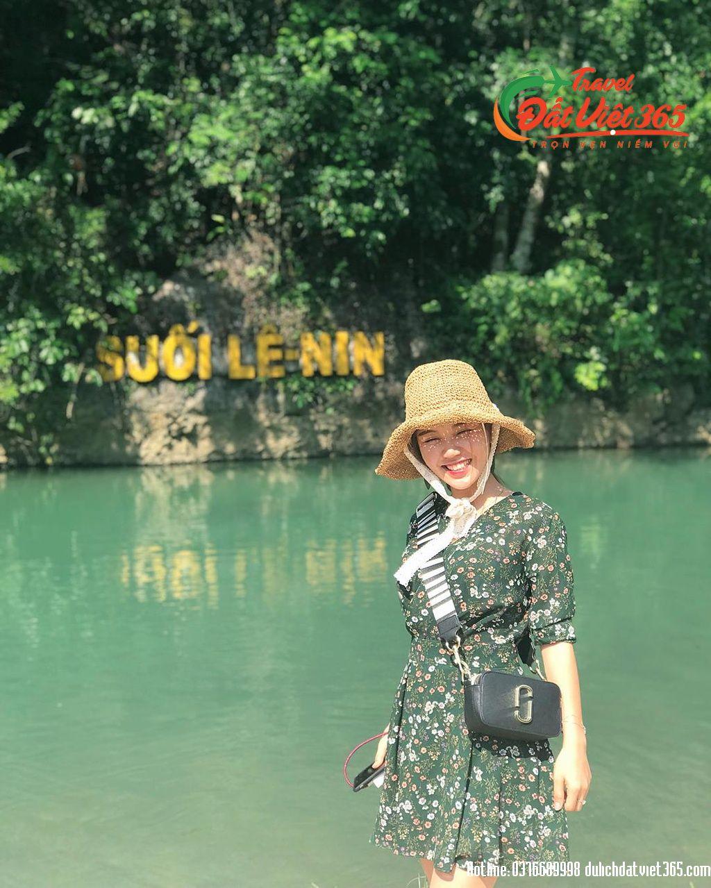 suối Lê Nin Cao Bằng