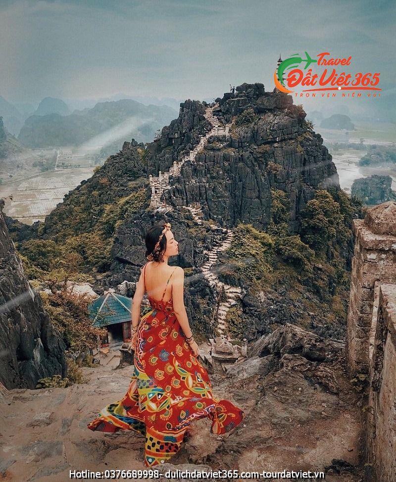 tour du lịch tuyệt tình cốc Ninh Bình