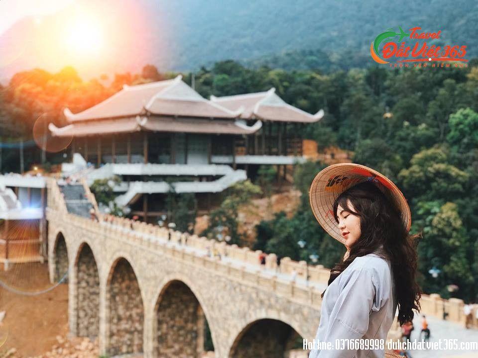 Tour Du Lịch Hồ Cấm Sơn Tây Yên Tử