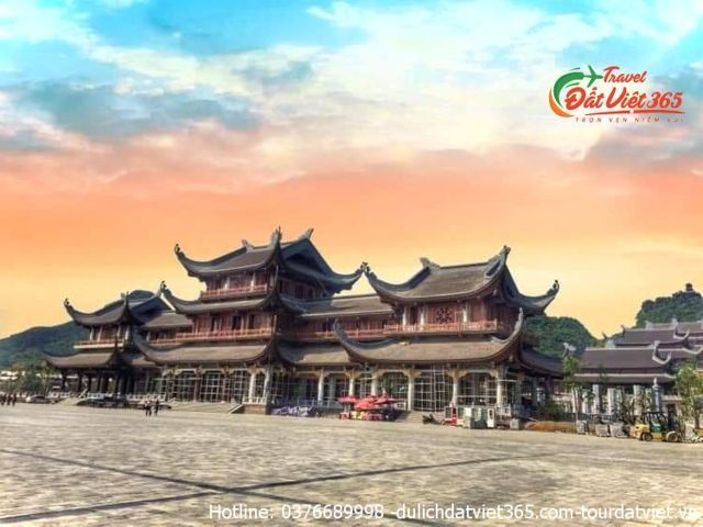 tour du lịch chùa tam tam chúc đầm vân long